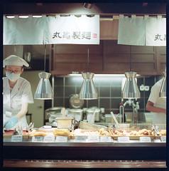 Japanese Restaurant (風傳影像 SUNRISE@DAWN photography) Tags: 6x6 danieldawn epsonperfectionv750 hasselblad hasselblad501cm hasselbladcarlzeissplanar8028cb hasselbladsystemv kodakportra400expired silverfastseplus8 surnisedawn tainan taiwan analog film filmcamera filmwork mediumformat scan selfscanned squareformat vintagecamera vintagelens