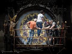 Men at work (Giancarlo Filippini) Tags: praha praga prague orologio monumento lavori restauro operai astronomico
