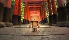 Fushimi Inari Taisha - Danbo (Bram Cornejo) Tags: fushimiinaritaisha fushimiinari fushimi kyoto japan danbo danboard travel toys wideangle samyang14mmifasumc vivitarseries1 sony slta57