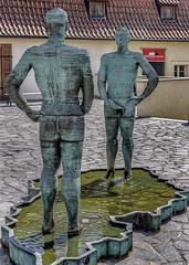 Piss (Leaning Ladder) Tags: prague praha czech czechrepublic sculpture cerny statue leaningladder bohemia canon 7d