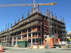 New Student Housing, UC Berkeley. (melystu) Tags: bancroft dana berkeley ucb dormitory studenthousing multilevel housing student construction concrete steel crane stileshall highrise