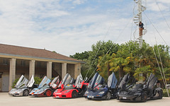 Wings Up. (Florian Joly Photography) Tags: mclarenf1 f1 f1tour bordeaux macf1 2017 f1tour2017 france car supercar wow hot dream money florian joly combo p1 gulf lt gt f1gtr montrose cha chateau mclarenf1tour mclaren