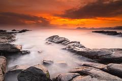 En el nombre del padre.... (Pruden Barquin) Tags: paisaje landscape longexposure largaexposicion rocas rocks sedas silks seascape seacatabrian marcantabrico marina amanecer fotografia prudenbarquin naturaleza nature
