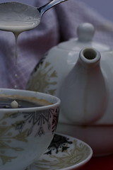 Kaffeetropfen11 (jugglingpics) Tags: drops tropfen kaffee tee dripsdropsandsplashes