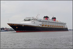 Disney Magic enroute from Amsterdam to Dover (wrblokzijl) Tags: disneymagic cruiseship dcl disneycruiseline kreuzfahrtschiff cruiseliner oceanliner cruise naviredecroisière paquebot boat ship 遊輪 круизное судно crucero nave crociera croisière navire cruzeiro krydstogtskib κρουαζιερόπλοιο cruiseskip risteilyalus 游轮 kryssningsfartyg クルーズ船 amsterdam pta passengerterminalamsterdam port veemkade ijhaven bow kryssningsfartyget bateaudecroisière