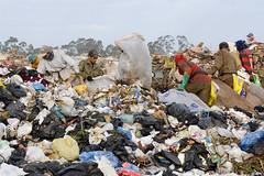 Fotos produzidas pelo Senado (Senado Federal) Tags: bie lixo resíduossólidos entulho reciclagem catador lixãodaestrutural políticanacionalderesíduossólidos brasília df brasil bra
