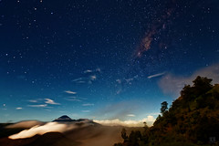 Tengger and the Milky Way (Fotografie mit Seele) Tags: vulkan volcano indonesien indonesia bromo tengger caldera steam milchstrasse milky way