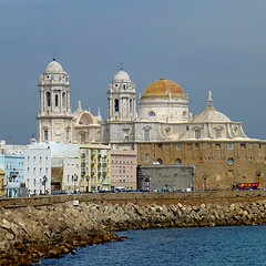 Catedral de la Santa Cruz de Cádiz (pom.angers) Tags: panasonicdmctz30 april 2017 españa andalucìa spain andalusia cadiz europeanunion sea church cathedral religion catedraldelasantacruzdecádiz 100 150 200