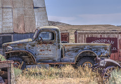 Tonopah (magnetic_red) Tags: truck old vintage rusted dodge railcar railroad history tonopah goldfield nevada desert tinroof color weeds outdoors abandoned americanwest blue faded red