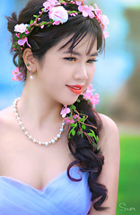 Hà (Sài gòn-01665 374 974) Tags: snor sony sigma photography photographer flickr digital new featured light art life colorful colour colours photoshop blend asia camera sweet lens artist amazing bokeh dof depthoffield blur 135mm portrait beauty pretty people woman girl lady person bride lonely flowers codaudon