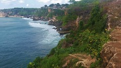 20170526_132525 (Evelyn_Photo) Tags: indonesia bali ocean water cliff shore sand rocks blue sky seascape beach international