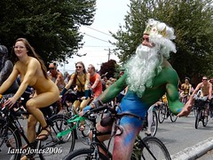 DSCN2079 (IantoJones2006) Tags: fremont solstice cyclists 2017 naked bike seattle parade nude painted body paint bicycle