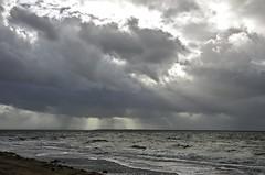Sturm zieht auf. (le Billat Dordogne) Tags: unwetter arcachon regen wolken meer