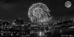#5 Montreal International Fireworks Competition 2017. Presenting 🇮🇹. (PerfumeG2011 (on and off )) Tags: fullmoon longexposure laronde montréalquébeccanada nightshot oldport blackandwhite fireworks montrealinternationalfireworkscompetition montreal oldportofmontreal jacquescartierbridge 2017 presentingitaly montréal italy linternationaldesfeuxlotoquébec lotoquébec wideangle
