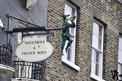 Greenman & French Horn (Vicky Carras) Tags: londres london 2017 harrots picadilly chintown reino unido