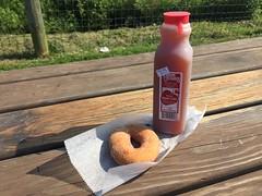 Terhune Orchards (Triborough) Tags: nj newjersey mercercounty princeton terhune orchards doughnut