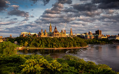 View  of the City of Ottawa (Ville d'Ottawa), Ontario, Canada (zilverbat.) Tags: canada travel tripadvisor ontario citytrip city cityscape zilverbat clouds wallpaper urban sunlight tourism tour map visit park tourist hotspot hotel photography canon cinematic church tower parliamenthill ville ngc landscape hill trip edge outside landmark vibrant foam majestic postcard guidedtours libraryofparliament library goldenhour