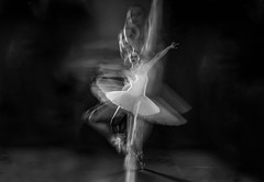 Wera#2 (stefan.lafontaine) Tags: wéra ballet dancer skancheli black white schwarz weiss blanco y negro blanc et noir blackandwhite schwarzweiss blancoynegro blancetnoir monochrome