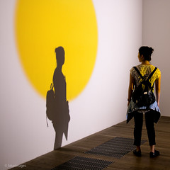 Circle. (sdupimages) Tags: silhouette ombres shadow musée museum tatemodern rue street uk london