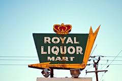Royal Liquor Mart, Rockford Illinois (Cragin Spring) Tags: midwest unitedstates usa unitedstatesofamerica illinois il sign neon neonsign arrowsign crown liquor liquorstore rockford rockfordil rockfordillinois vintage vintagesign oldsign