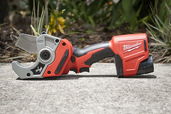 Milwaukee M12 Plastic Pipe Shear (protoolreviews) Tags: cordless m12 pipecutter pipeshear plumbing shear