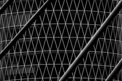 steel ropes reloaded in b&w (ToDoe) Tags: bw schwarzweis schwarzweiss structure patterns frankfurt geripptes rauten rautenmuster triangels lozenge westhafentower