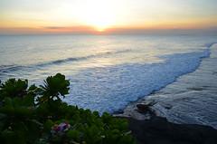 Bali_TanahLot_44 (chiang_benjamin) Tags: bali indonesia tanahlot temple beach ocean coast sea sunset dusk cliff