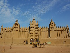 La Mosquée de Djenné, Mali ([The World Through My Eyes]) Tags: mali djenne mosque ramadan sudanese architecture sky blue mud lama front entrance mosquée amazing bucketlist travel travelphotography roundtheworld rtw olympusomdem1 africa westafrica bamako mopti fantastic