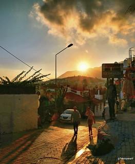 Muhteşem bir kaş akşamından selamlar arkadaşlar  🌞🌛�💗🌸 Good evining My dear Word friends 🌸💗🌛 Kaş streets bi lokma 1�#sunse