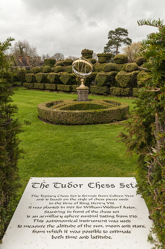Tudor Chess Set - Hever castle bridge