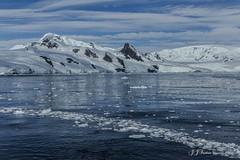 """Devaneio Gelado"" (JJSantosphoto) Tags: jjsantos jjsantosphoto canon travel viagem antarctica antartida peninsulaantarctica peninsula continenteantartico continente gelo iceberg mar oceano aoarlivre arlivre montanha geleira devaneiogelado devaneio gelado expediçãoantarctica expedição picogelado pico"