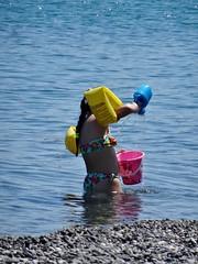 Hard working. (Ia Löfquist) Tags: crete kreta beach strand sea hav child barn swim bada play leka leker summer sommar ierapetra