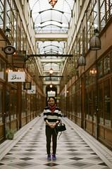 France 2017 - Pro 400H 04 ([Katsumi]) Tags: travel travelphotography paris europe france nikonfe nikkor50mmf14 fujicolorpro400h filmisnotdead woman girl