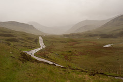 scottish impressions 2 (lucky5.1) Tags: schottland scotland holiday cairngorms national park weather creek bach reisend torrential river beck rain rainy fineconditions windy windig regnerisch road cloudy nasty nikon d700 oldmilitaryroad glenshee cold misty 50mm a93