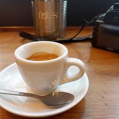 2017-05-27: Espresso Breakfast (psyxjaw) Tags: london londonist canary wharf canarywharf shop shopping centre notes coffee