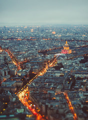 Paris, eres bello! (www.juliadavilalampe.com) Tags: paris france night lights streets urban city tiltshift canon