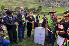 "Ministra Pérez Tello inauguró santuario ecológico en memoria de los mártires de Uchuraccay • <a style=""font-size:0.8em;"" href=""http://www.flickr.com/photos/156664909@N08/35846603326/"" target=""_blank"">View on Flickr</a>"