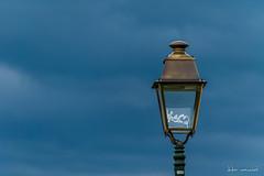 Candélabre (Didier Mouchet) Tags: thonon luminaire candélabre lumière ciel mobilierurbain candelabre thononlesbains auvergnerhônealpes france didiermouchet d5300 nikond5300 nikon tamron16300 light