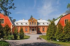 Herrar bonde, Uppland (peter.velthoen) Tags: architecture villa herenboer herrarbonde uppland sverige zweden plattenland buitenleven plaas boerderij