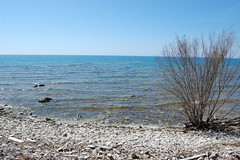 Lake Huron - 1 (basswulf) Tags: shoreline horizon lakehuron inverhuron d40 1855mmf3556g lenstagged unmodified 32 image:ratio=32 permissions:licence=c 20170423 201704 3008x2000 ontario canada