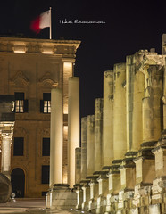 The theater (Mike Economou) Tags: malta pjazza teatru rja pjazzateatrurja valletta night nightshot europe