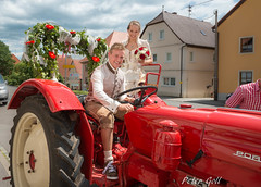 Wedding tractor (thx for 4M views - pego28) Tags: 2017 volkersdorf erlangen germany standesamt hochzeit wedding traktor tractor paar pair woman man frau mann