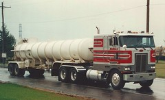 "Peterbilt 362 COE, ""NuBulk"" (PAcarhauler) Tags: pete peterbilt coe cabover semi tractor trailer"