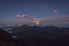 Spellbinding (hawaiiansupaman) Tags: moonrise haleakala haleakalanationalpark kalahaku nightsky stars clouds sunset eveningsky