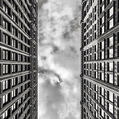boston huaweimate9 lookup blackandwhite downtowncrossing... (Photo: (Jessica) on Flickr)
