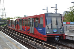 DLR 28 (Will Swain) Tags: 22nd april 2017 greater london capital city south east train trains rail railway railways transport travel uk britain vehicle vehicles country england english royal victoria docklands light dlr 28