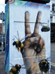 Manchester 🌺🌸🌼🌺🌸🌼🌺🌸🌼tribute (rossendale2016) Tags: bees iconic clever quarter northern street art wall square stevenson cowards against tribute brave manchester
