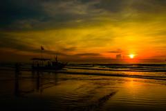 Sunrise (https://www.instagram.com/tung.ti/) Tags: golden sunrise ngc beach sea summer vietnam nikon landscape sun morning
