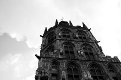 Rathaus (Köln) (John fae Fife) Tags: fujifilmx cologne xe2 noiretblanc monochrome rathaus lookingup blackandwhite cityhall nb bw