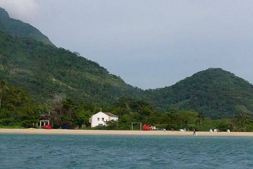 brazil-paraty-praia-paratymirim-copyright-pura-aventura-thomas-power
